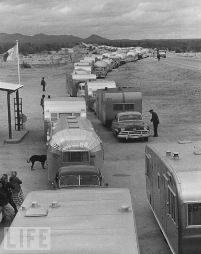 vintage everyday: 20 Vintage Photos Showing the Golden Age of Campers during the 1940s and 1950s