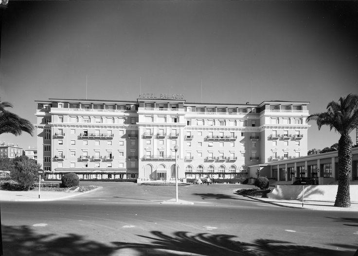 Fachada. Arquiteto responsável: Henry Martinet (1930). Fotografia sem data. Produzida durante a actividade do Estúdio Mário Novais: 1933-1983.  [CFT003 005159.ic]