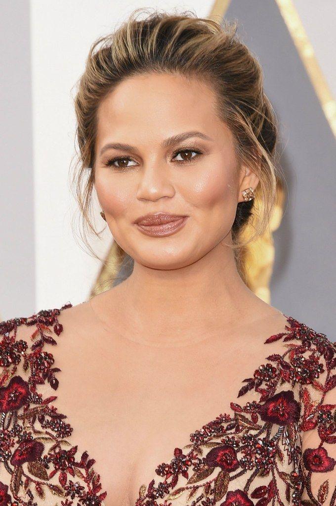 oscars 2016 hair makeup trends chrissy teigen
