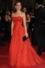 """dans les archives de la maison Dior une robe haute couture printemps-été 1954. Le modèle """"Nuit de Feu"""" en mousseline de soie rouge avec effet de pois ton sur ton en velours dévoré"""