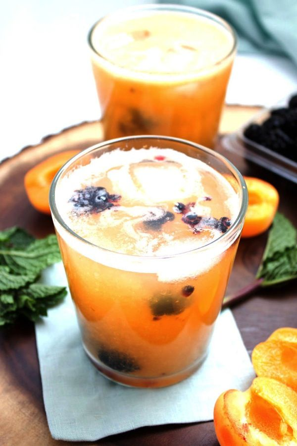 Apricot Blackberry Sangria from @thealmondeater