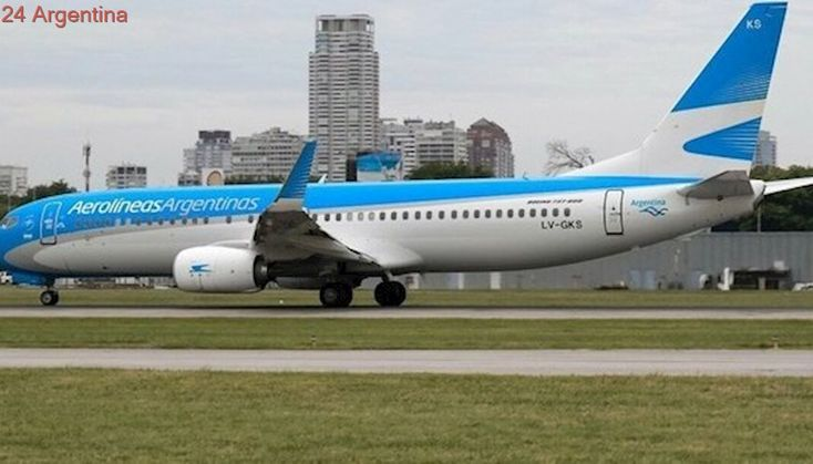Audio: el enojo del piloto de Aerolíneas que chocó con un dron al aterrizar en Aeroparque