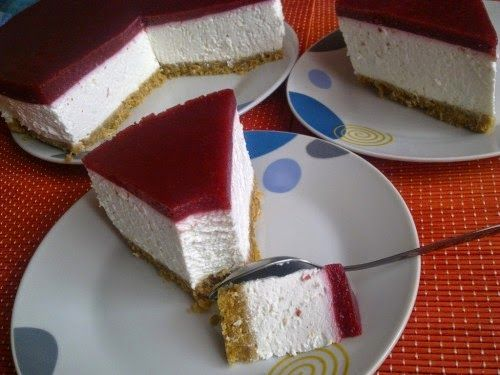 Megosztás                              Az egyik legízletesebb sütemény, ami csodásan mutat és még csak sütni sem kell.  Hozzávalók a la...