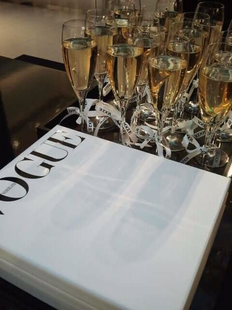 vogue: Favorite Things, Luxus Life, Champagne And Caviar, Style Inspiration, Champagne Macaroons, Luxe Life, Caviar Dreams, Parties Time, Champagne Anion