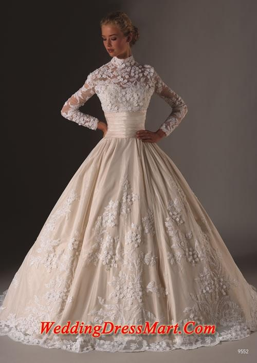 Love the texture on the bottom and the idea for the bodice. Great vintage silhouette.