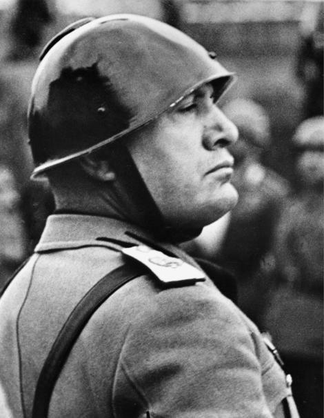 Benito Mussolini novembris 1937