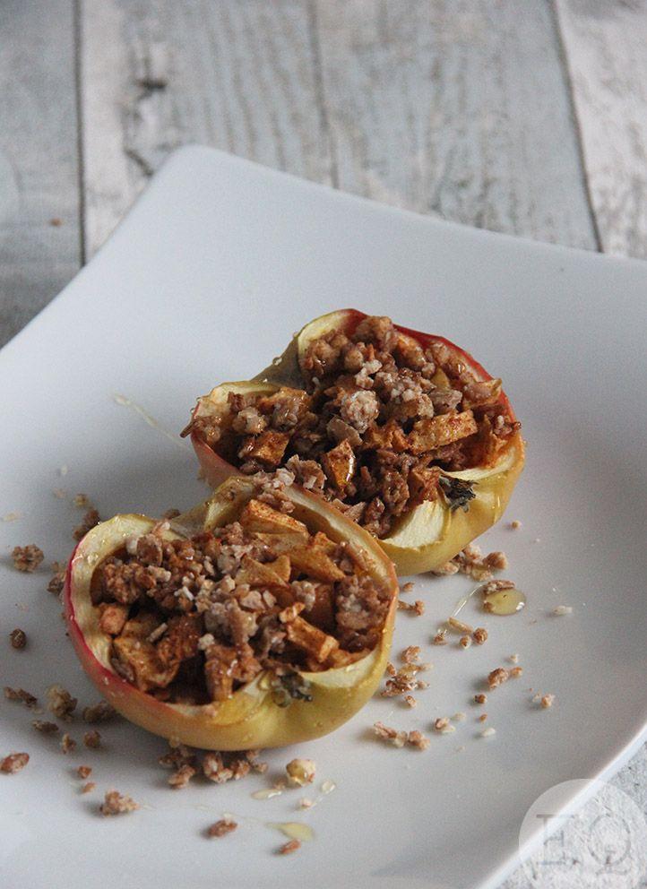 Deze gevulde appel is overheerlijk als ontbijt, tussendoortje of nagerecht. Lekker, gezond en ook nog eens snel te maken!