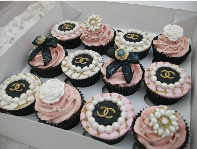 21st Birthday Chanel cupcakes please