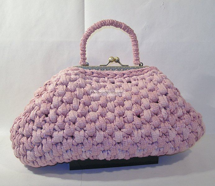 La marianna.by clara negri knit bag:cucirini tre stelle. fettuccia in cotone. he marianna bag.by clara Negri knit bag: sewing three star. cotton webbing.