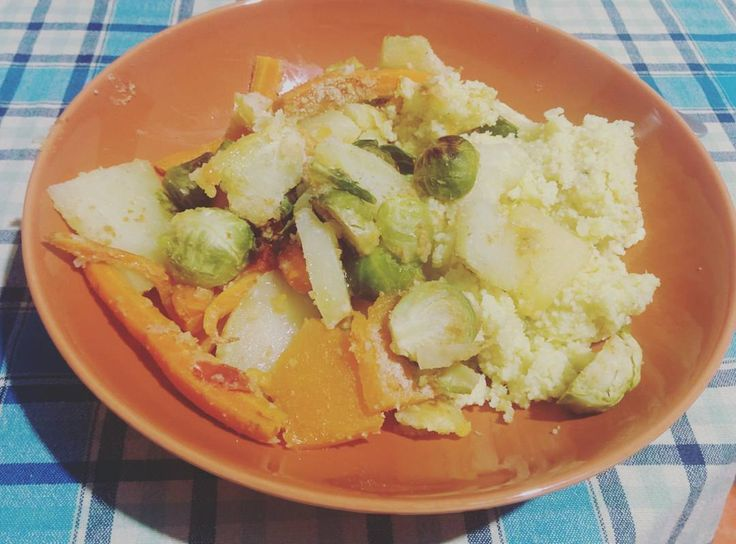 """""""Cous-cous with baked vegetables. Potatoes, tomatoes, carrots, brussels sprouts. #vegan and #healthy lunch for this #autumn. Have a nice day all."""""""