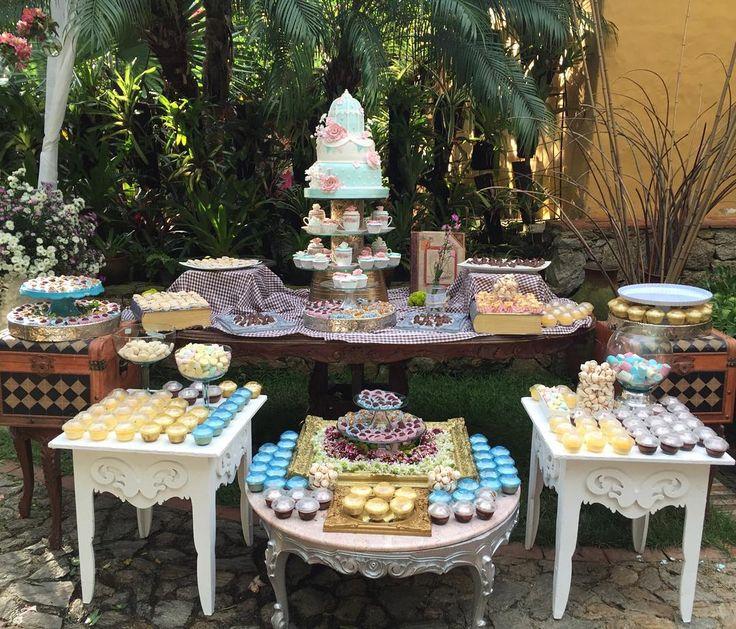 """""""Los detalles de la #bodasoñada de Romer y Lilibet estaban por todos lados, raspados o cepillados para recibir a los invitados antes de la ceremonia,…"""""""