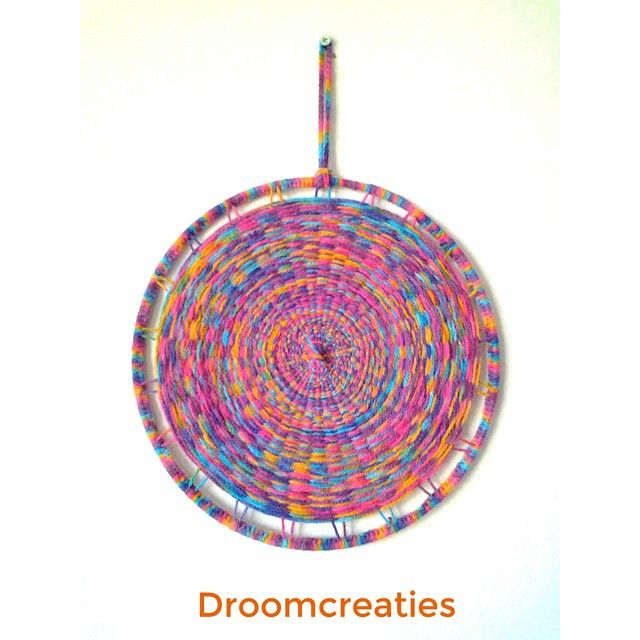 Mandala weaving is fun with these rainbowcolours! ☆ Thinking of making a big project with these mandalas in different colours...♡ #mandala #mandaladesign #mandalart #weaving #weven #droomcreaties #crochet #dreamcatcher #dromenvangers #weaveart #creative #crea #handmade #rainbow #colourfull #inspiration