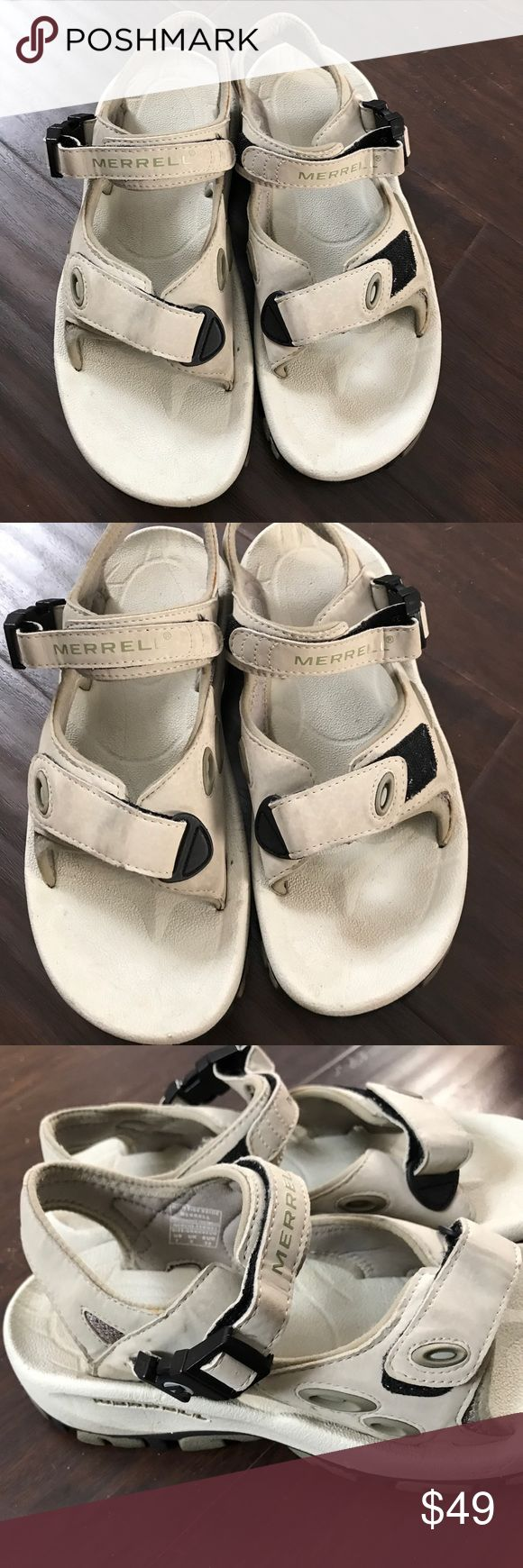 Merrell Sandals Size 7 Excellent condition just has minor superficial dirt that can be wash. Merrell Shoes Sandals