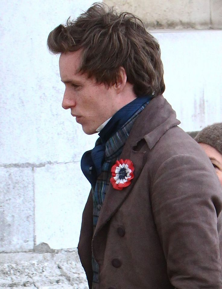 Eddie Redmayne as Marius in Les Miserables (2012) -- I really want a button like the Les Amis wear...