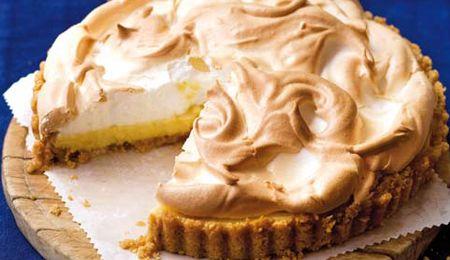 Old-fashioned lemon meringue pie