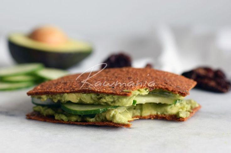 Rajčatový sendvič s avokádovou pomazánkou