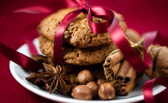 I cesti natalizi fai da te sono un'idea davvero originale per creare un regalo unico. Il segreto per far felice la persona a cui si sta per fare il regalo è riempire il cestino con tante piccole leccornie rigorosamente fatte da voi. Biscotti e cioccolatini, ma anche liquori e piccoli salatini: tutto rigorosamente sfornato fresco  … Continued