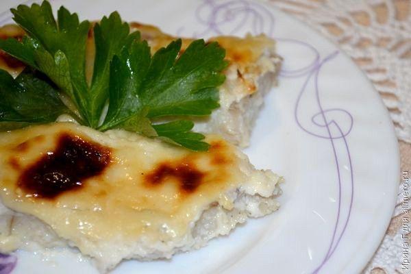 Филе минтая запеченное под майонезом / Рецепты с фото