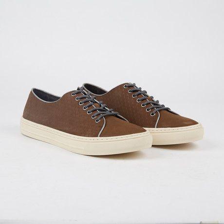 Renger Low-Top Sneaker // Chocolate