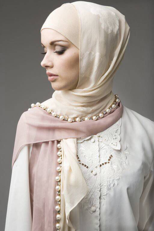 Cream and bobbles. #hijab