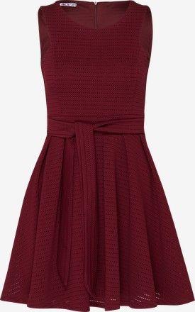 Ausgestelltes Kleid mit Lochmuster - Lila / Rot