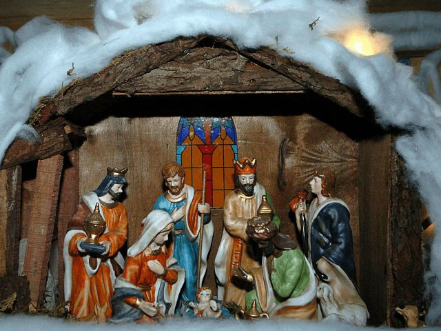 DON'T WANT TO HURT MUSLIM FEELINGS?How about Jesus Christ? A priest in #Italy has caused uproar after announcing there would be no Christmas nativity scene at the local cemetery this year because it could offend #Muslims and atheists.