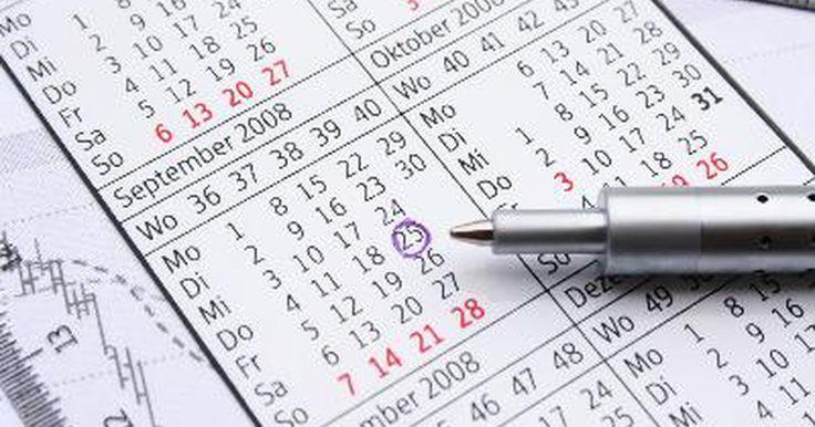 """Cómo insertar una fecha dinámica en Excel. Cómo insertar una fecha dinámica en Excel. Una gran manera de mantener tu hoja de cálculo Microsoft Excel 2007 actualizada es utilizar la fórmula """"Today"""" (hoy) para insertar la fecha dinámica en una celda de Excel. Cada vez que el programa la recalcule, la fecha dinámica se actualizará para mostrar la actual."""