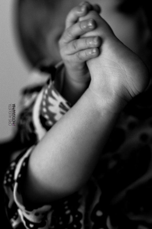Incrível como os bebês se expressam quando estão mamando, cada gesto que aparentemente demonstra inquietude, na verdade, quer dizer o quanto estão felizes por estarem próximos e interagindo com a mamãe