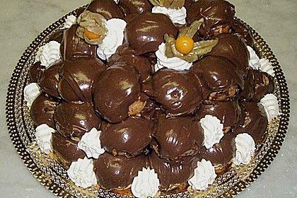 Profiteroles mit Schokolade und Sahne, ein raffiniertes Rezept aus der Kategorie Torten. Bewertungen: 5. Durchschnitt: Ø 3,6.
