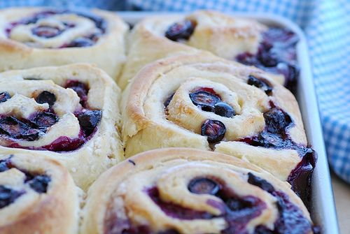 Mom's Blueberry sweet rolls.. love food Blogga...