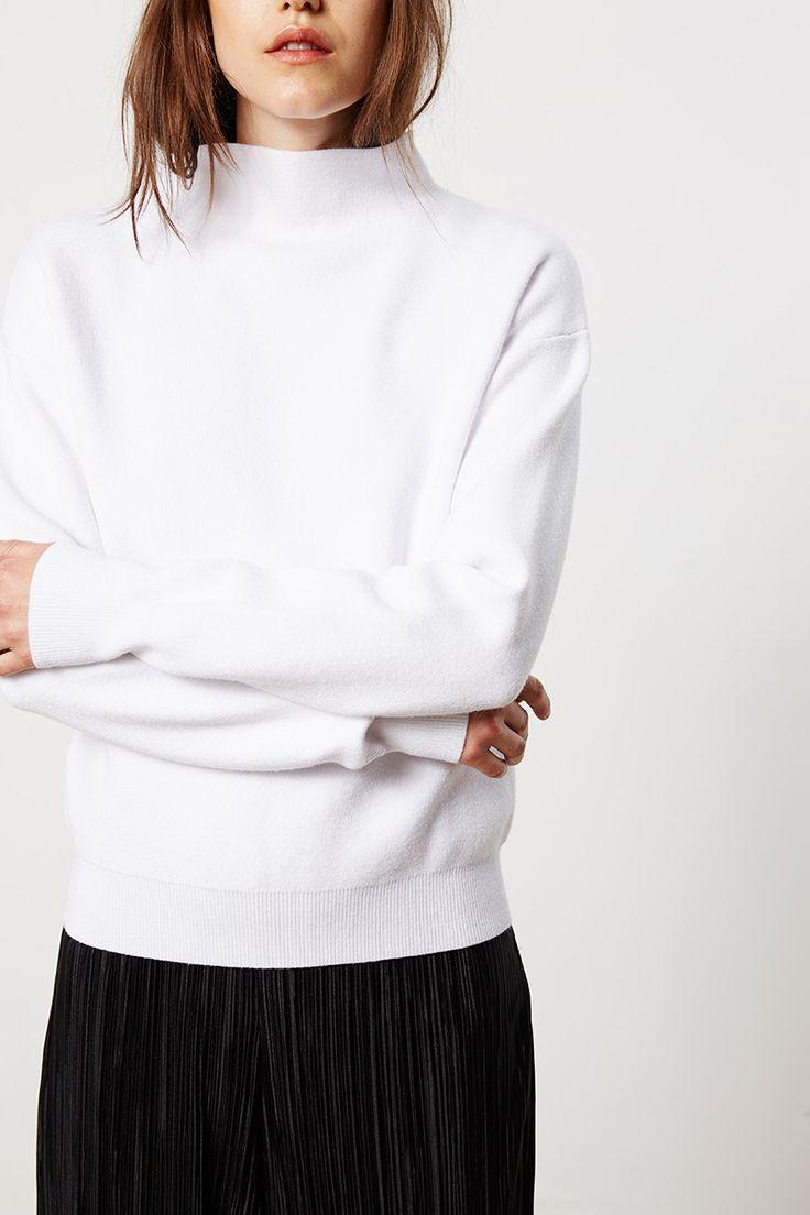 Friend of Audrey  - White Minimal Knit