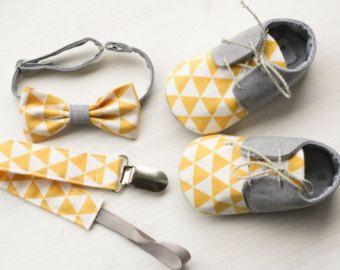 Zapatos de bebé de niño y pajarita zapatos por MartBabyAccessories