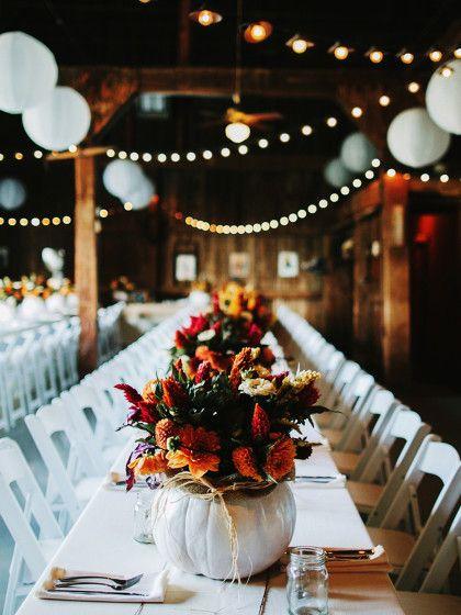 Eigentlich möchte so gut wie jede Braut im Sommer heiraten. Dabei hat eine Herbsthochzeit viel mehr Vorteile. Sie ist zum Beispiel viel günstiger...