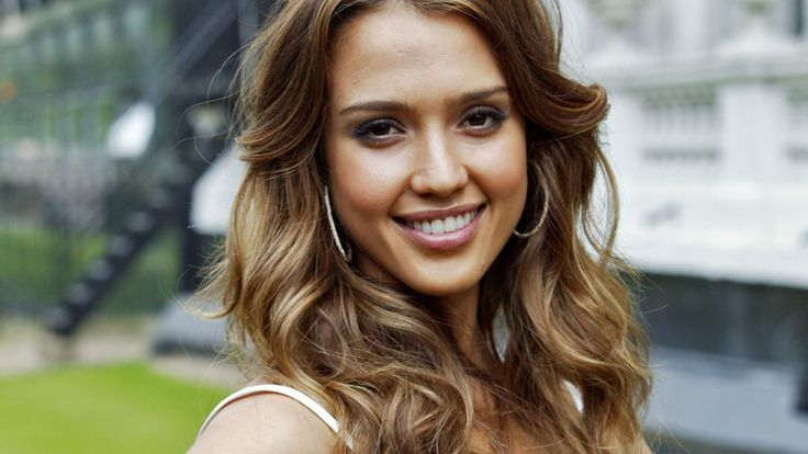 Jessica Alba Biography, Age, Weight, Height, Hollywood, Like, Affairs, Favourite, Birthdate
