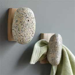 Stone hooks: Decor Ideas, Towels Hooks, Stones Hooks, Cabins Bathroom, Natural Stones, Decor Houses, Bathroom Remodel, Sea Stones, Creative Towels Hangers