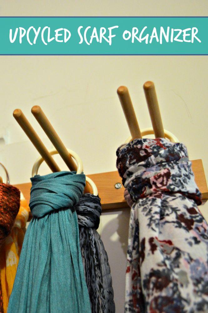 RANGEMENT - Foulards suspendus par des anneaux à un porte-verres à pied - tutoriel