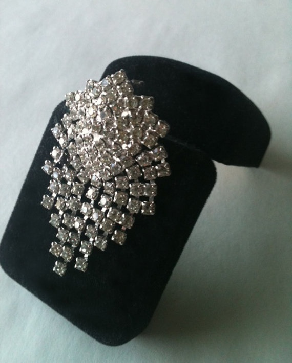 Vintage Rhinestone & Silver Pin by RetroJunction on Etsy, $15.00