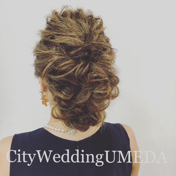 【パーティー ヘアアレンジ】 「この前のパーティー誰ともかぶりませんでした❤️」と嬉しいご報告でまた御来店下さいました。 初めてのお客様も嬉しいけれど、再訪して頂けるのもまたとっても嬉しい(*^o^*) ありがとうございました✨ #CityWeddingUMEDA #wedding #ブーケ #ヘアメイク #結婚式準備 #結婚式 #ブライダル #ウエディング #pronovias #antonioriva #weddingdress #reemacra #verawang #bouquet #treatdressing #トリートドレッシング #ウエディングドレス #bouquet #ビジューボンネ #ビジューアクセサリー #ビジュー #プレ花嫁 #ハーフアップ #ヘアアレンジ #ルーズアップ #ルーズ #hair #くるりんぱ #波ウェーブ #ウェービーヘアー