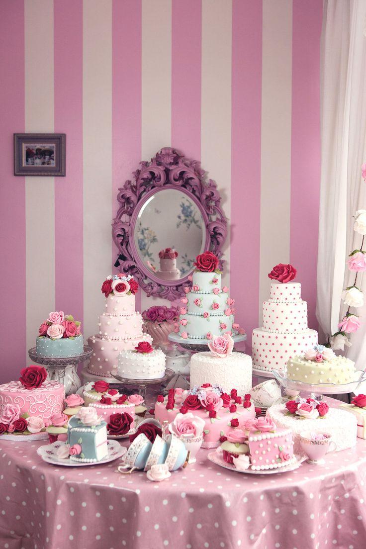 Wonderland Cakes-