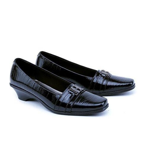 .  Nama Produk: Formal Wanita Garsel Shoes GST 5030 SKU: GST 5030 Ukuran: 36-40 Berat (kg): 1.2 Harga Jual: Rp. 249480 Harga Reseller: Rp. 199000 Deskripsi: Hitam Premium Leather .  . Silahkan kontak kami terlebih dahulu untuk cek stok sebelum melakukan pembelian terima kasih   DM atau hubungi Whatsapp: 0895-3528-77930  .   Kami membuka peluang Reseller / Dropshipper GRATIS! tanpa biaya daftar Batch #1 - terbatas untuk 50 Reseller pertama dengan Keuntungan :  1 Belasan Ribu produk yang bisa…