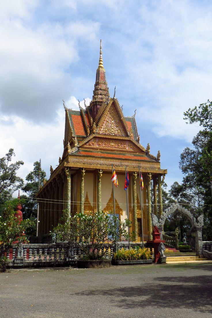 Buddhist stupa in Kampot