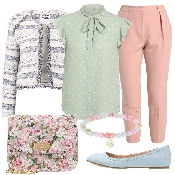 Pantalone in rosa a vita alta abbinato a camicia a manica corta con fiocco e cardigan con fantasia a righe. La ballerina in azzurro, la borsa a tracolla con fantasia floreale e infine il bracciale con ciondolo.