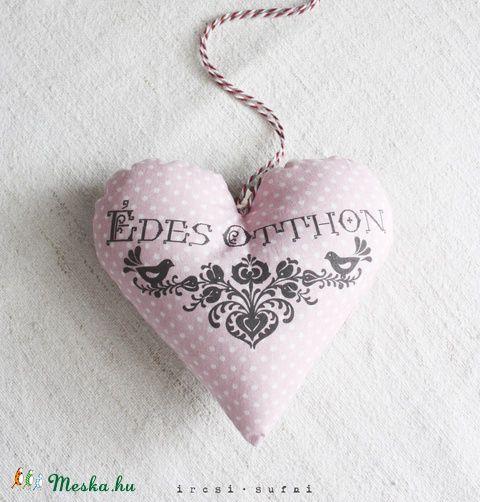 Édes Otthon szív, Dekoráció, Otthon, lakberendezés, Meska #sewing #sweethome #dots #pink #romantic