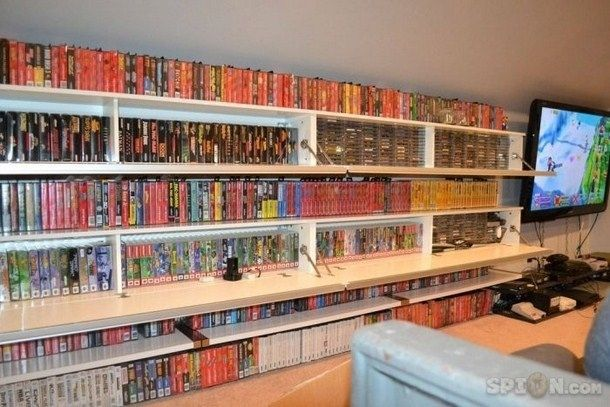 This room with hundreds of games from various systems. | The 32 Geekiest Bedrooms Of All Time This is what I want except all those video games will be movies!!!!!!!!!!!!