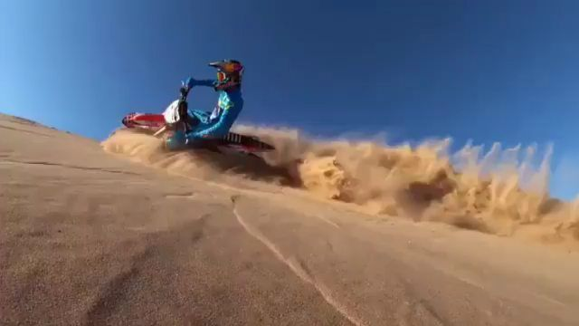 Rich Kids Spotted   Image / Video  This is how do it in Dubai! 🤙🏼 Insane desert biking. 🏜 Tag someone who'd love this 😉 #BallersDubai 💰 📽️ @visit.dubai https://scontent-lh...