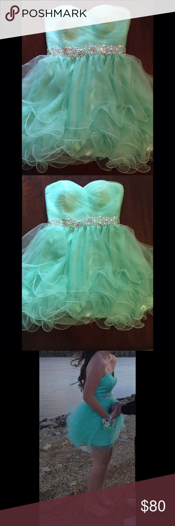 Teal green homecoming dress (worn once) Stunning and comfortable homecoming dress Dresses Strapless