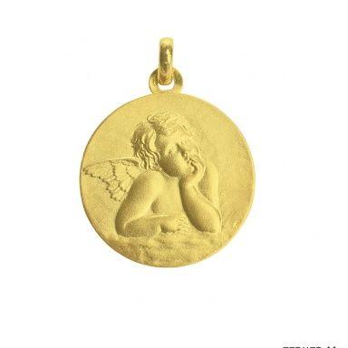 Bijou or: ce pendentif est une médaille en or avec l'archange Raphael, saint patron protecteur des voyageurs mais aussi guérisseur. Retrouvez nos bijoux anges gardiens sur cristalange.com