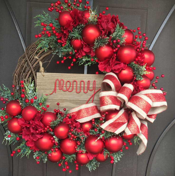 Holiday wreaths, Christmas wreaths, Christmas decor, holiday decoration, winter, red balls, Merry, burlap