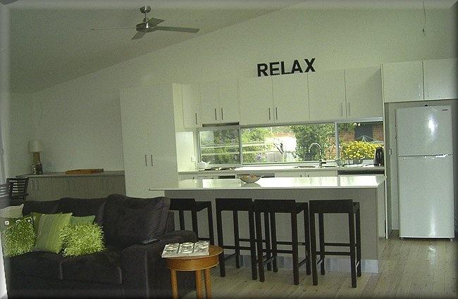 windows under kitchen cupboards.... nice touch