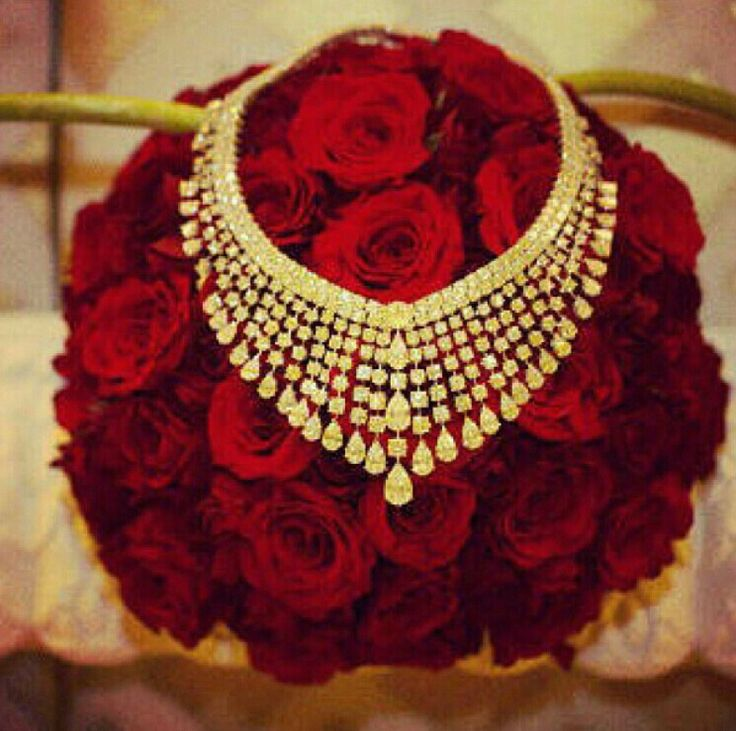fourseasonflowers  #proposal #engagement #arab #gulf #unitedarabemirates #uae #dubai #abudhabi #q8 #qatar #oman #kuwait #saudi #saudiarabia #ksa #afrah #zaffah #dazzah #daza #wedding #luxuryflowers #floralarrangements #bride #bridal #gifts